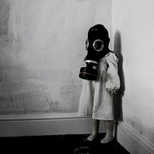 Gaz Maskesi ve Çocuk