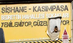 Beyoğlu Belediyesi insanı yok sayıyor, insanın güneşini bile engelliyor