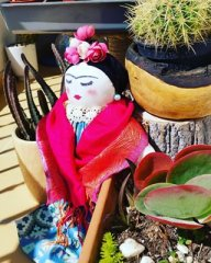 Frida ve kaktüsler