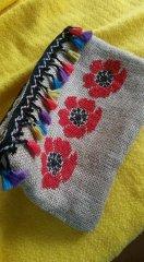 Jüt kumaşa kanaviçe işlemeli çanta