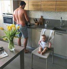 Alkışı hakeden yaratıcı baba :)