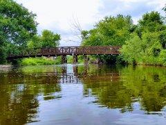 Eski Bir Tren Yolu Köprüsü - Yeşilin Elli Tonu
